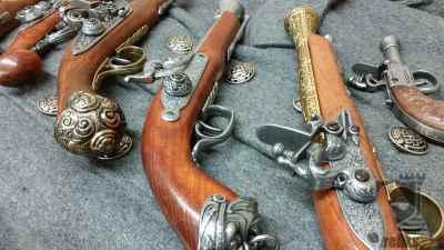 Replica Flintlock Pistols