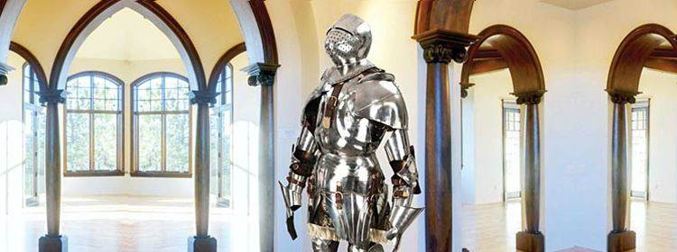 Gothic Suit Of Armor - 300018 - Windlass Steelcrafts