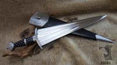 Cinquedea Sword