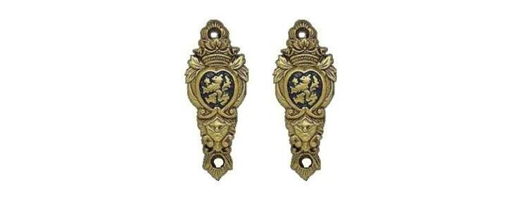 Lion Sword Hangers - Bronze